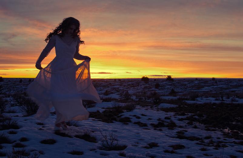 https://www.nwprophoto.com/tempint/winterlady.jpg